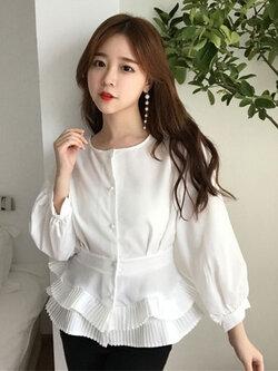 เสื้อแฟชั่นสีขาวสไตล์สวยหวาน ชายเสื้อแต่งเก๋พับจีบสวยหรูสไตล์เกาหลี รหัส 1762