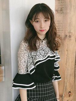 เสื้อครอปแฟชั่นแต่งเก๋ช่วงคอและต้นแขนด้วยผ้าลูกไม้สวยหวานสไตล์เกาหลี รหัส 1659-สีดำ