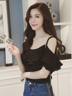 เสื้อแฟชั่น สายเดี่ยวแต่งอกระบายสวยหวานสไตล์เกาหลี รหัส 1580-สีดำ