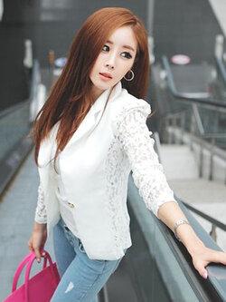 เสื้อสูทแฟชั่นผู้หญิงสีขาว ต่อแขนเนื้อผ้าลูกไม้ผสม 4 ไซส์ S/M/L/XL รหัส 1544