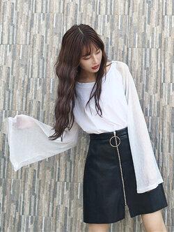 เสื้อยืดแฟชั่นคอกลม แต่งแขนยาวด้วยด้ายดิ้นเงินสวยเท่ห์สไตล์เกาหลี รหัส 1582-สีขาว