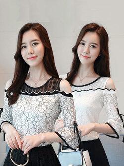 เสื้อแฟชั่นแขนสี่ส่วน ช่วงคอเป็นผ้าตาข่ายโปร่งโชว์ไหล่สไตล์เกาหลี 2 สี รหัส 1829