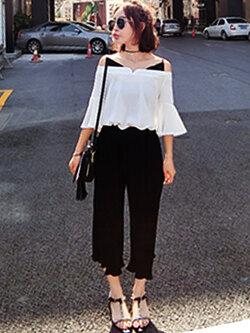 ชุดเซทกางเกงอัดพลีทสีดำ มาพร้อมเสื้อสีขาวสายเดียวโชว์ไหล่ รหัส 1473