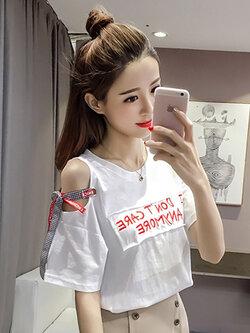 เสื้อครอปแฟชั่นแขนสั้นแต่งเก๋เปิดไหล่ซ้ายเจาะห่วงติดโบว์น่ารักสไตล์เกาหลี- 1605