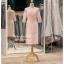 รหัส ชุดราตรี : PFS063 ชุดแซกผ้าลูกไม้งานสวย ชุดราตรีสั้นหรู สวย สง่า ดูดีแบบเจ้าหญิง ใส่เป็นชุดไปงานแต่งงาน งานกาล่าดินเนอร์ งานเลี้ยง งานพรอม งานรับกระบี่ มีแขน สีชมพู ชุดไทยประยุกต์ thumbnail 2