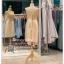 รหัส ชุดราตรี :PFS028 ชุดแซกผ้าลูกไม้งานสวยตกแต่งลูกไม้กริตเตอร์ ชุดราตรีสั้นหรูสีทอง สวย สง่า ดูดีแบบเจ้าหญิง ใส่เป็นชุดไปงานแต่งงาน งานกาล่าดินเนอร์ งานเลี้ยง งานพรอม งานรับกระบี่ thumbnail 2