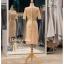 รหัส ชุดราตรี : PFS038 ชุดแซกผ้าลูกไม้งานสวยตกแต่งกริตเตอร์ ชุดราตรีสั้นหรูสีทอง สวย สง่า ดูดีแบบเจ้าหญิง ใส่เป็นชุดไปงานแต่งงาน งานกาล่าดินเนอร์ งานเลี้ยง งานพรอม งานรับกระบี่ มีแขน thumbnail 3
