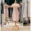 รหัส ชุดราตรี :PFS053 ชุดแซกผ้าลูกไม้งานสวยตกแต่งลูกไม้กริตเตอร์ ชุดราตรีสั้นหรูสีทอง สวย สง่า ดูดีแบบเจ้าหญิง ใส่เป็นชุดไปงานแต่งงาน งานกาล่าดินเนอร์ งานเลี้ยง งานพรอม งานรับกระบี่ thumbnail 4