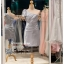 รหัส ชุดราตรีสั้น :PF140 ชุดราตรีสั้นผ้าซาติน เดรสออกงานไหล่เฉียง ชุดไปงานแต่งงานสีเทา ชุดแซกงานสวยมาก แบบประดับโบว์เพิ่มความน่ารัก thumbnail 3