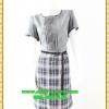 2926ชุดทํางาน เสื้อผ้าคนอ้วนสีเทากระโปรงลายสก็อตคอกลมแต่งเกล็ดด้านหน้าคลาสสิคสวมใส่ได้หลายโอกาส