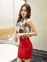 ชุดเดรสคอรูดตัวเสื้อผ้าชีฟองลายดอกไม้ ต่อกระโปรงสีแดง