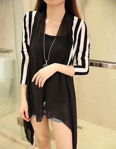 เสื้อคลุมแฟชั่นตัวยาวลายริ้ว แต่งผ้าชีฟองครึ่งตัว ใส่ได้ทุกโอกาส-1555-สีดำ